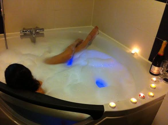 Ideal hotel for Ideal hotel design chambre jacuzzi